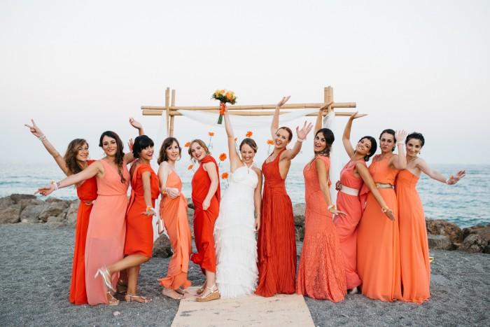 damas de honor en coral