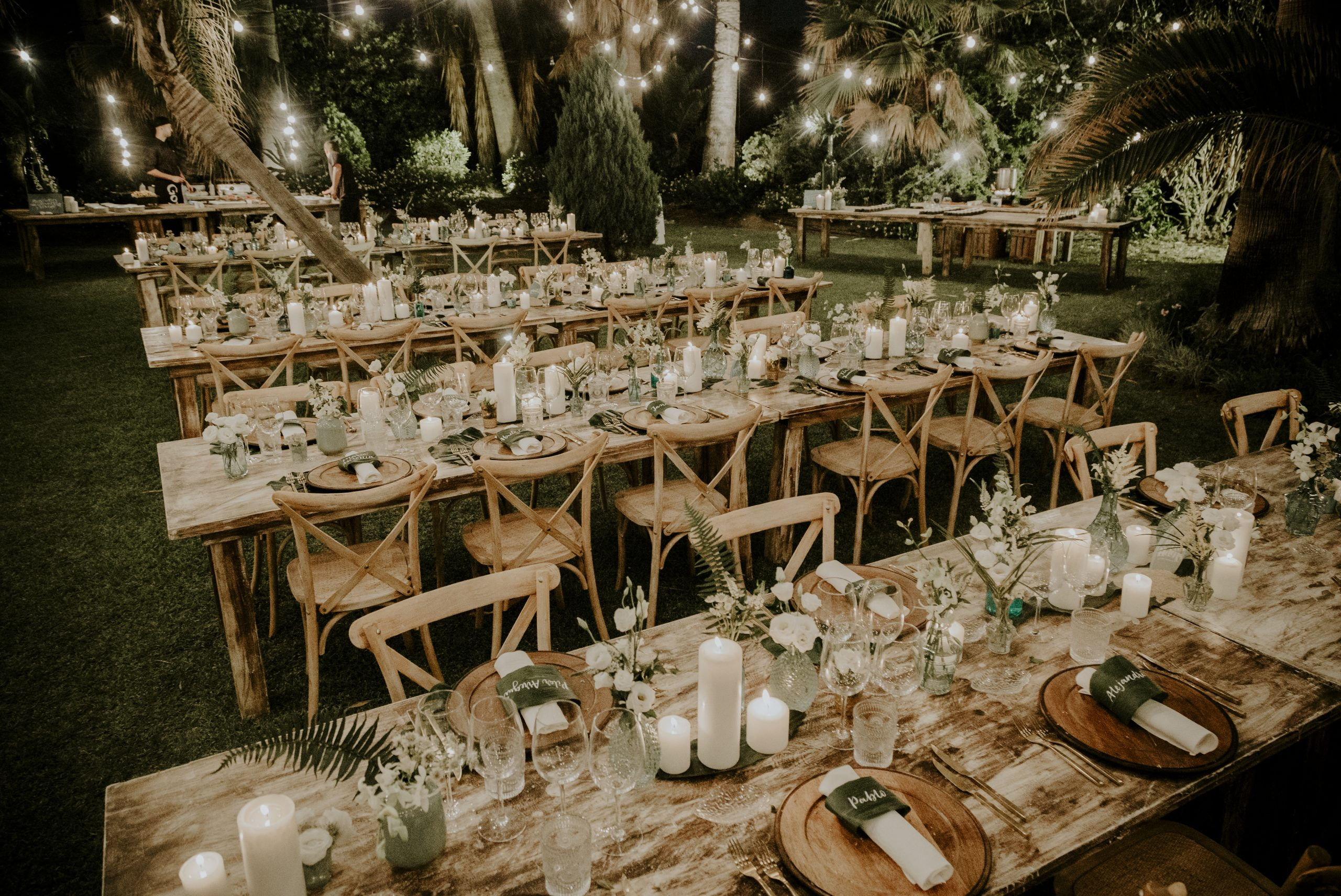 mesas de madera sin mantel